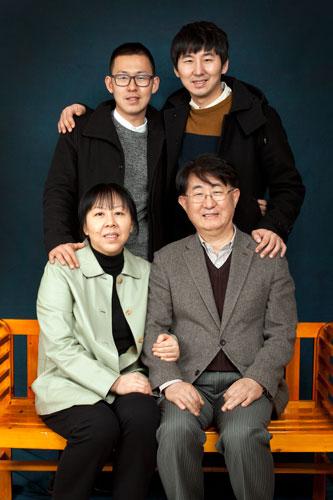 pastor_family.jpg